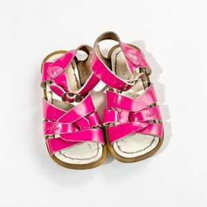 Pink patent leather 7 saltwater sandal by Hoy